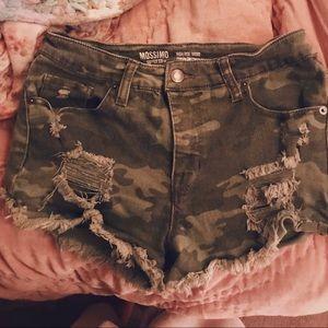 mossimo camo ripped jean shorts